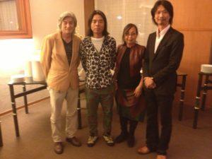 日比野克彦氏が来札グランドホテルで展示会を行った。空手の千葉さんと。野口耕太郎